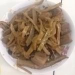 逸枫(来自腾讯..)笋干红烧肉的做法