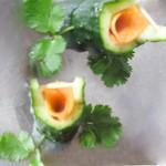 丁婉儿3个步骤做出经典的黄瓜桶盘饰的做法