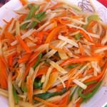 魑魅魍魉6685胡萝卜土豆肉丝的做法