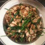 希&望韭菜苔炒肉片的做法