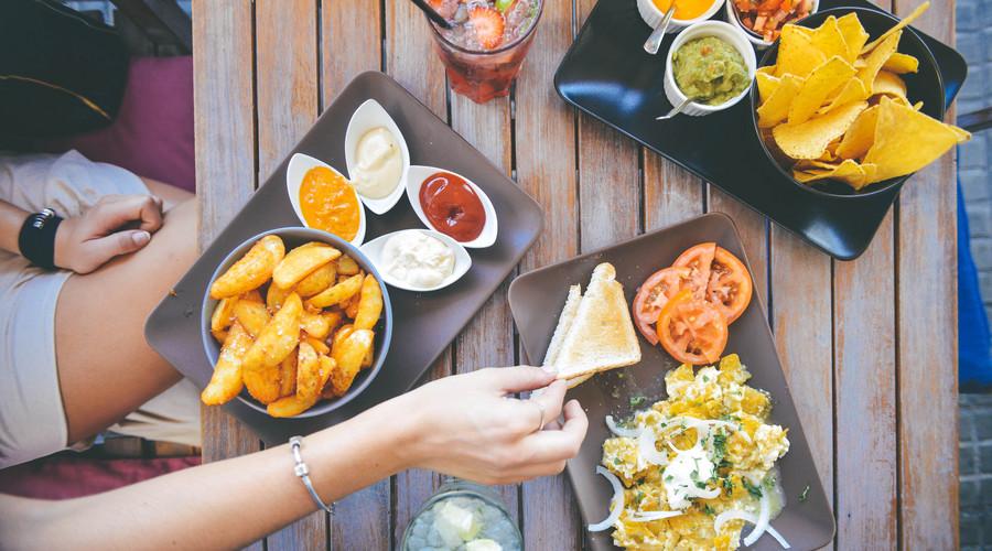 健康吃饭时间表图片