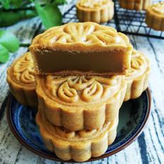 广式莲蓉月饼