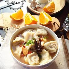 时蔬酸辣饺子汤