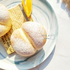 豆沙海蒂面包