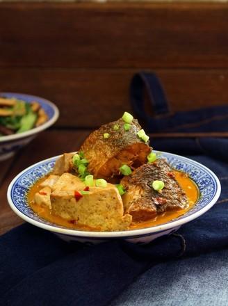 酱香胖头鱼炖豆腐的做法