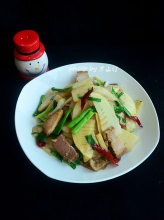 卤肉炒春笋的做法