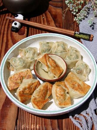 干煎荠菜笋肉馄饨的做法