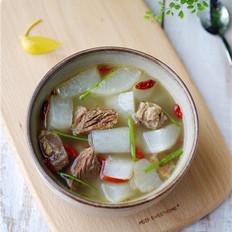 白萝卜牛腩汤