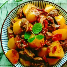 鸭肉炖土豆