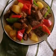 青红椒土豆炖牛肉