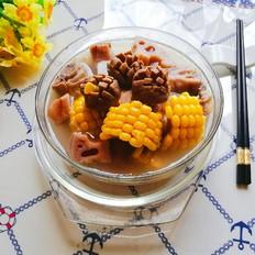 玉米莲藕煲排骨牛肉丸汤