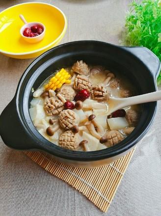 砂锅牛肉丸香芋蟹黄菇煲的做法