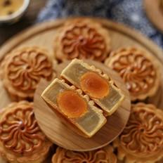 广式蛋黄莲蓉月饼