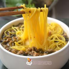 酸菜肉沫玉米面