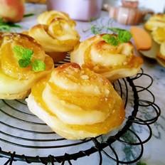 黄桃玫瑰花面包