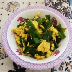 鸡蛋黄豆酱炒葱叶