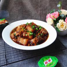 梅菜炖五花肉