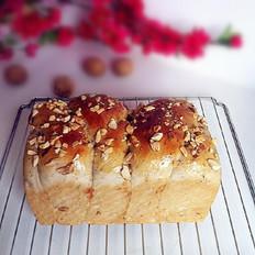核桃花生益智面包