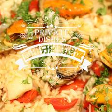 悦美食-西班牙海鲜烩面