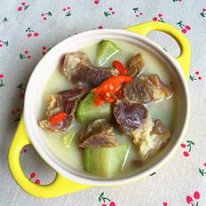 萝卜炖腊猪蹄肉