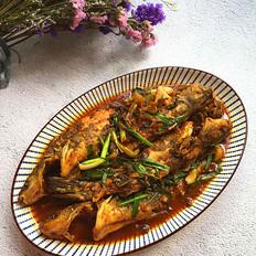 酸菜烧黄骨鱼