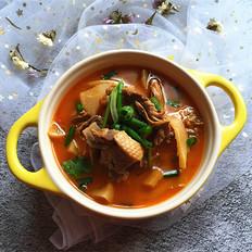 砂锅鸭肉煲