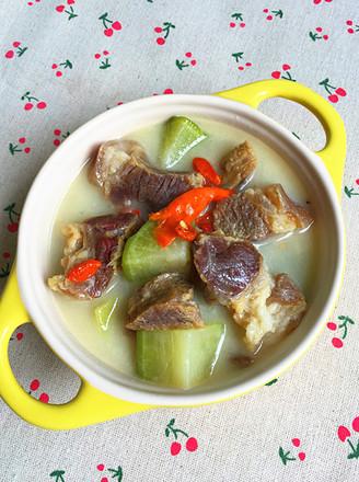 萝卜炖腊猪蹄肉的做法