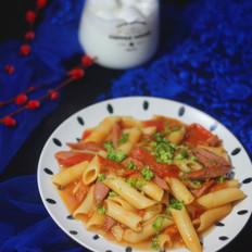 茄汁风味牛肉香肠绘通心粉