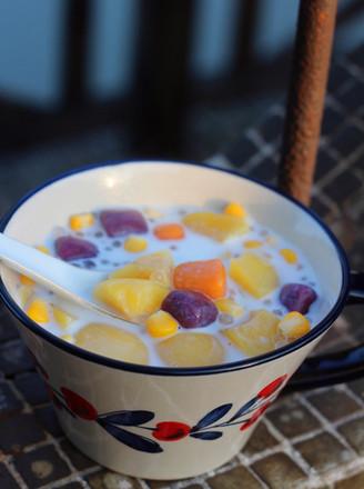 黄桃玉米芋圆甜汤的做法