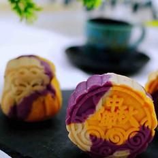 三色奶香桂花蜜月饼