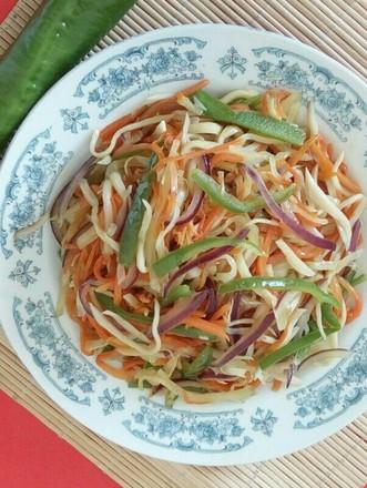 下饭菜——螺丝椒葱头炒三丝的做法