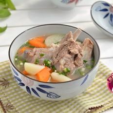 土豆胡萝卜肉骨汤