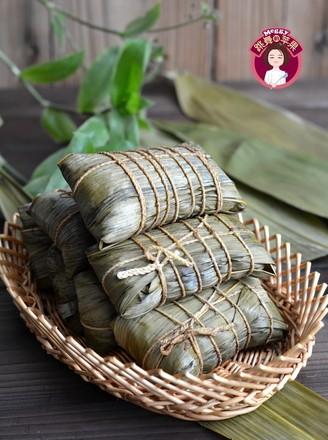 咸蛋黄鲜肉粽的做法