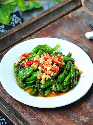 蒜米拌青椒的做法