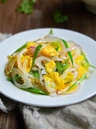 洋葱青椒炒蛋的做法