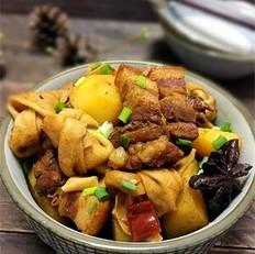 百叶结土豆红烧肉