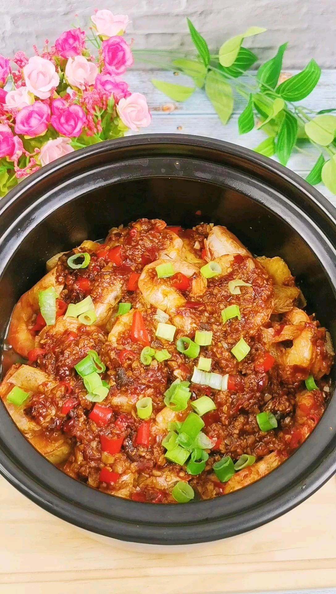 蒜蓉豆腐烧虾煲