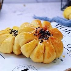 太阳花椰蓉面包