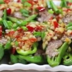 【青椒包肉】青椒别再炒着吃,青椒加上肉裹一裹,荤素搭配,鲜嫩爽口,太香了~
