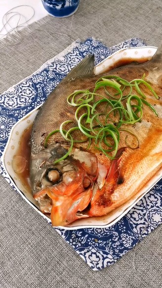清蒸红石斑鱼的做法