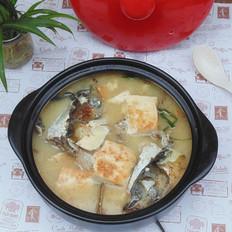 砂锅鱼头炖豆腐