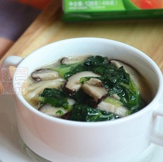 小白菜香菇汤面