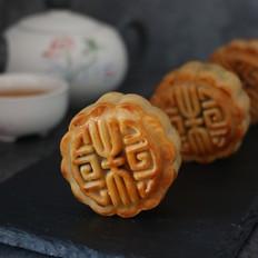 广式豆沙蛋黄月饼