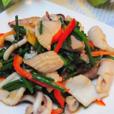 韭菜苔炒鱿鱼及清理