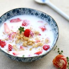 草莓燕麦酸奶