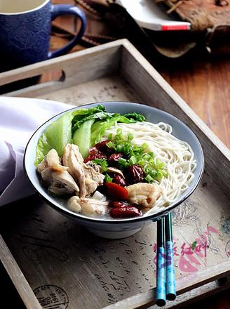 红枣鸡汤拌面的做法