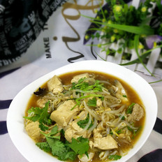 鱼架豆芽豆腐汤