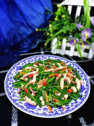韭菜苔炒鱿鱼的做法
