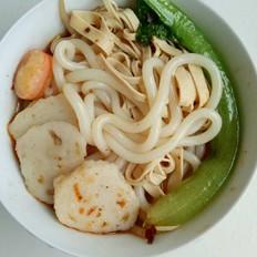 东北麻辣鱼丸米线