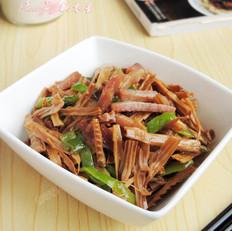 青椒腊肉炒笋干